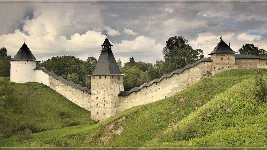 От древних Печор до эстонского Петсери - экскурсии
