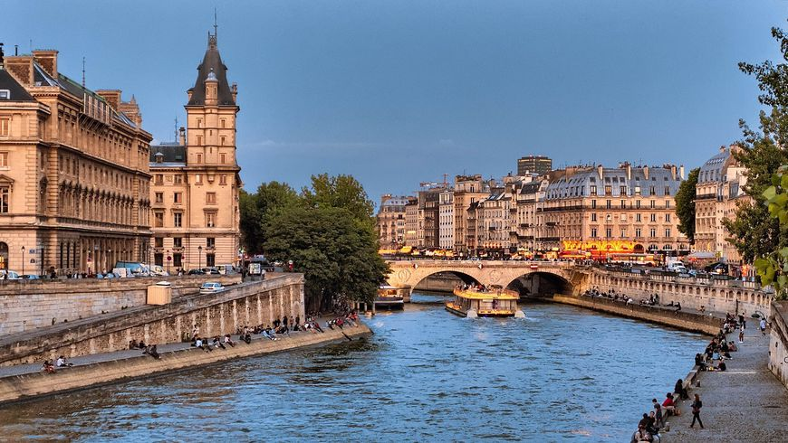 Париж: ешь