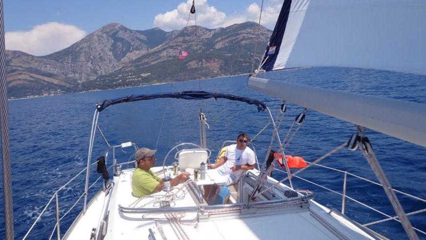 Морская прогулка под парусом в Черногории - экскурсии