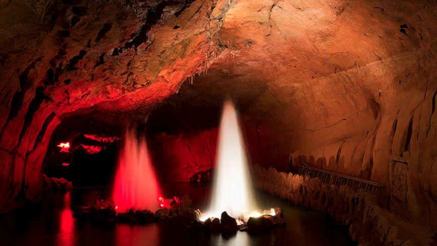 """Подземное царство в Португалиии. Спуск в пещеры """"Мира де айре"""" - экскурсии"""