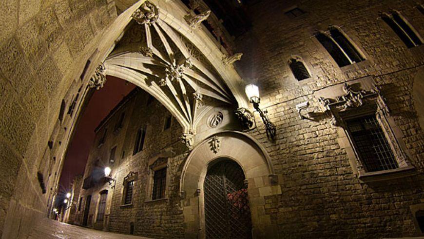 Городские мифы под покровом ночи в Готическом квартале - экскурсии