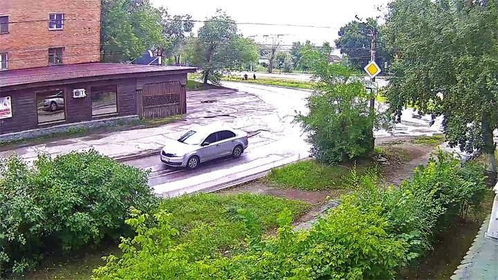 Веб-камера на перекрёстке Кошевого/Трофимова