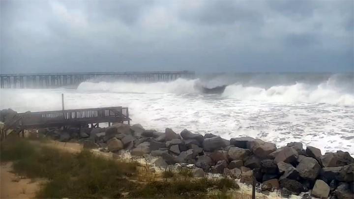 Поворотная онлайн веб-камера на пляже Мертл-Бич, США