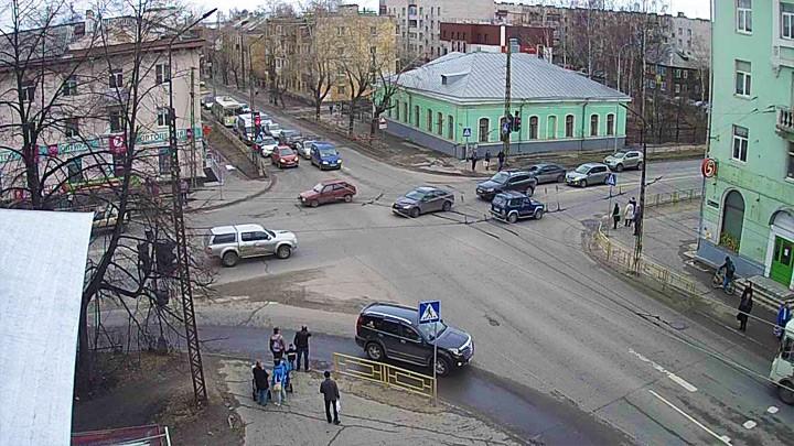 Веб-камера на перекрёстке Невского Правды