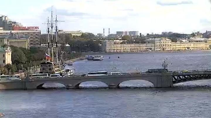Обзорная веб-камера на Петропавловской крепости