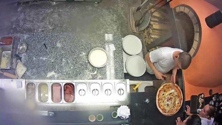 Веб-камера в пиццерии Pizza Mizza