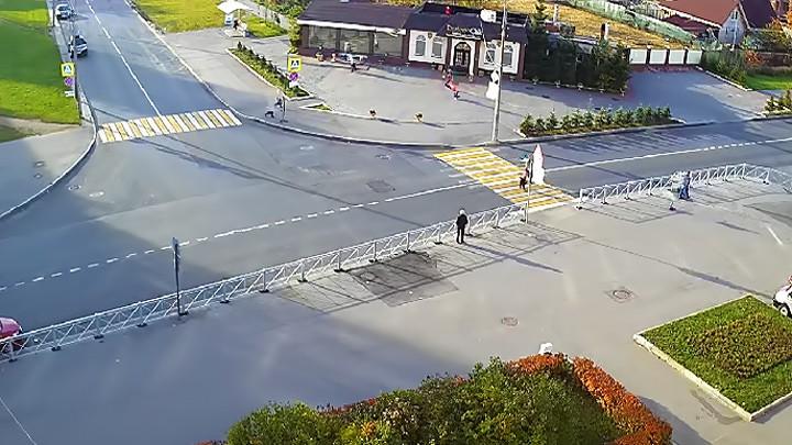 Веб-камера на перекрёстке Хазова и Школьная, г. Пушкин, Санкт-Петербург