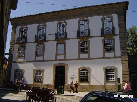 Национальный музей Алберту Сампаю