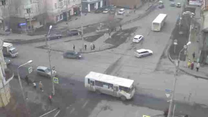 Веб-камера на улице Сурикова
