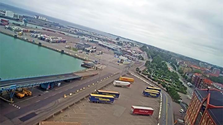 Веб-камера в Треллеборгском порту: накопитель