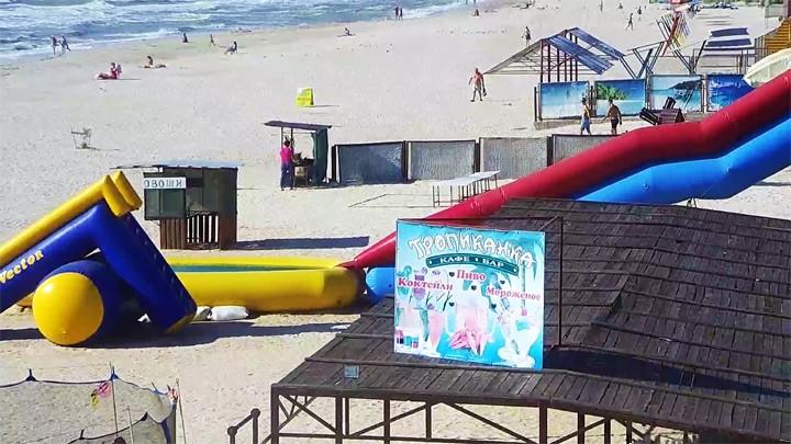 Веб-камера на пляже базы отдыха Тропиканка в Кирилловке на Федотовой косе
