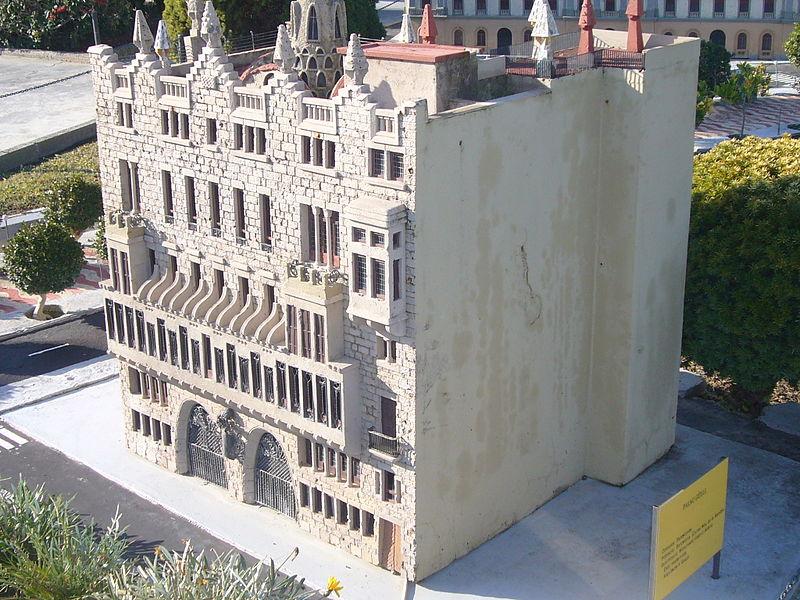 Дворец Гуэль