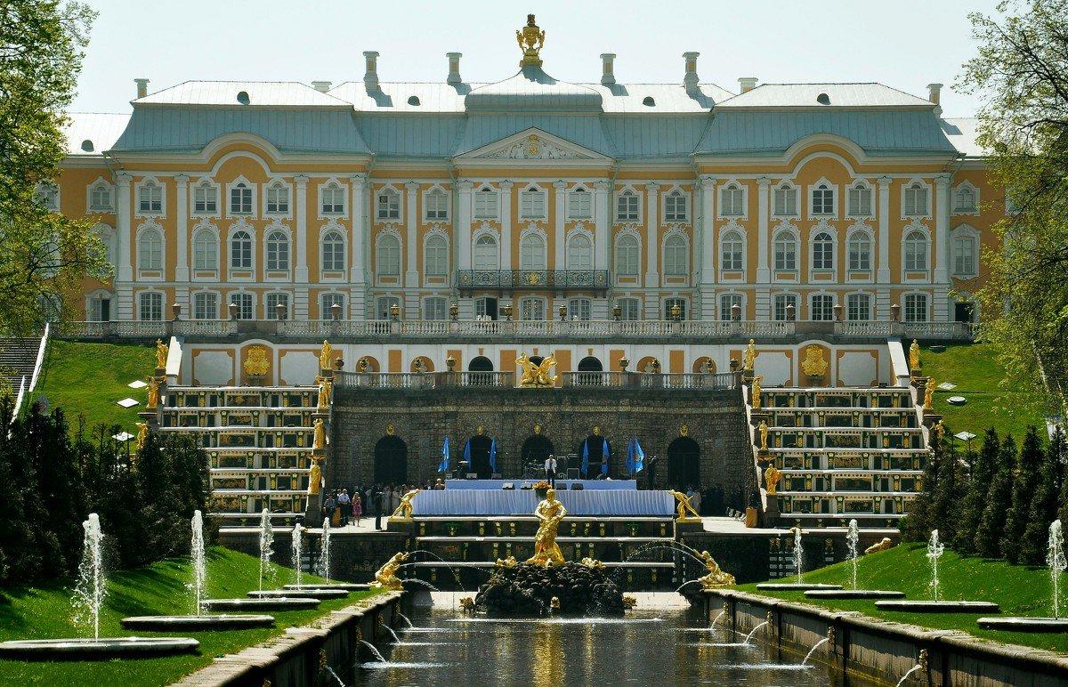Большой дворец в Петергофе