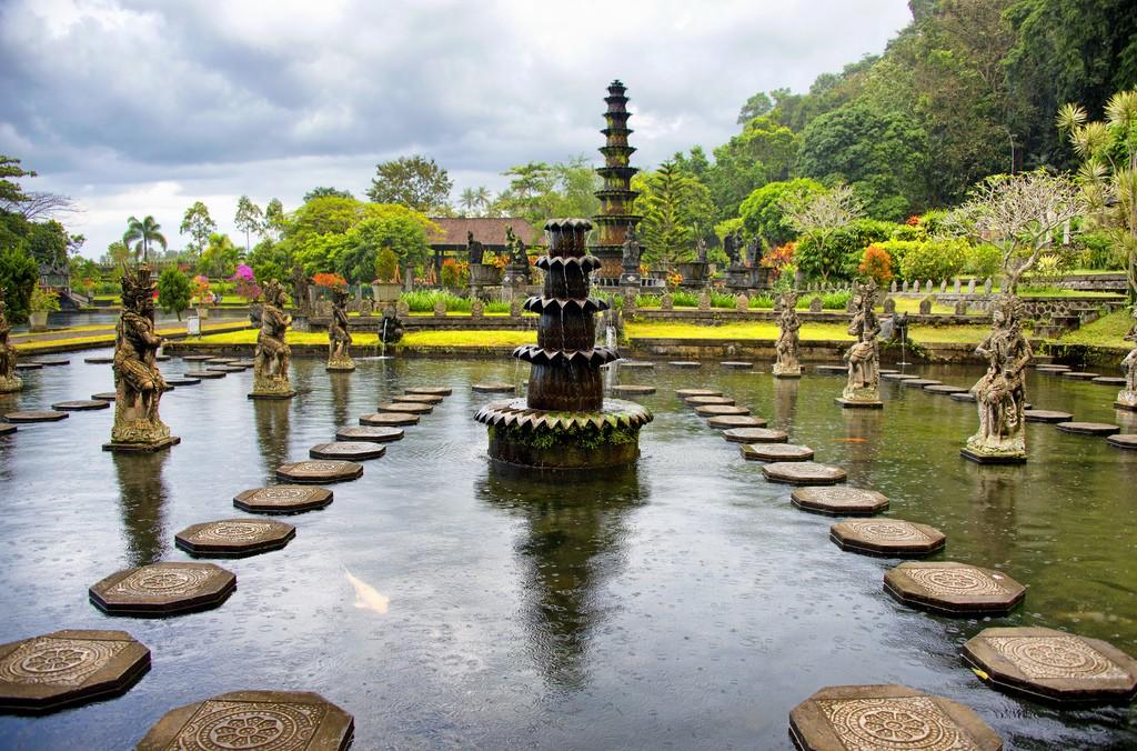 Водный дворец Тирта Гангга