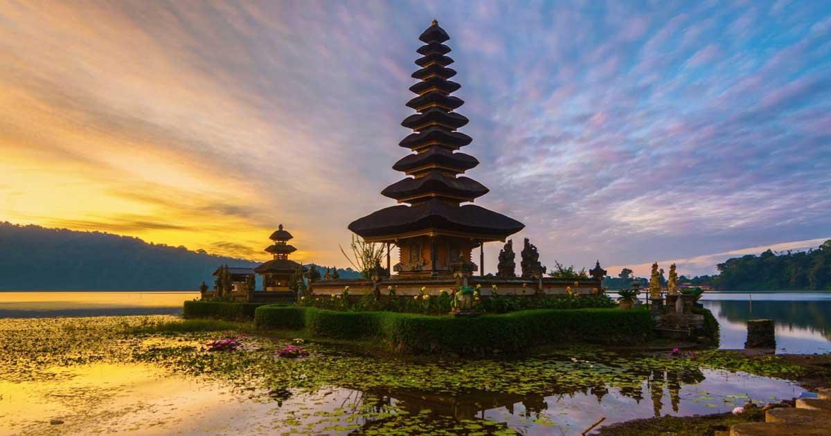 Озеро Братан и храм Пура Улун Дану