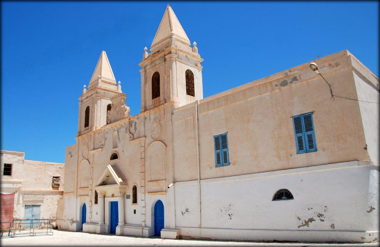 Мечети города Хумт-Сук