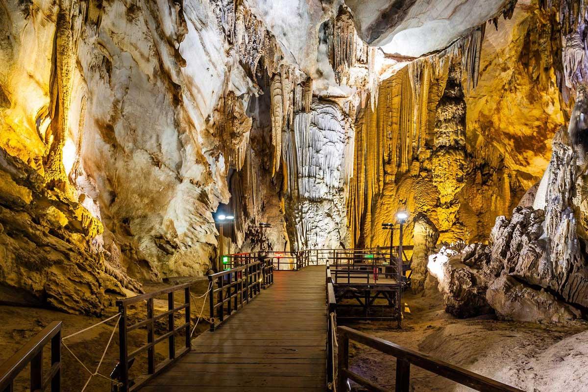 Адская пещера
