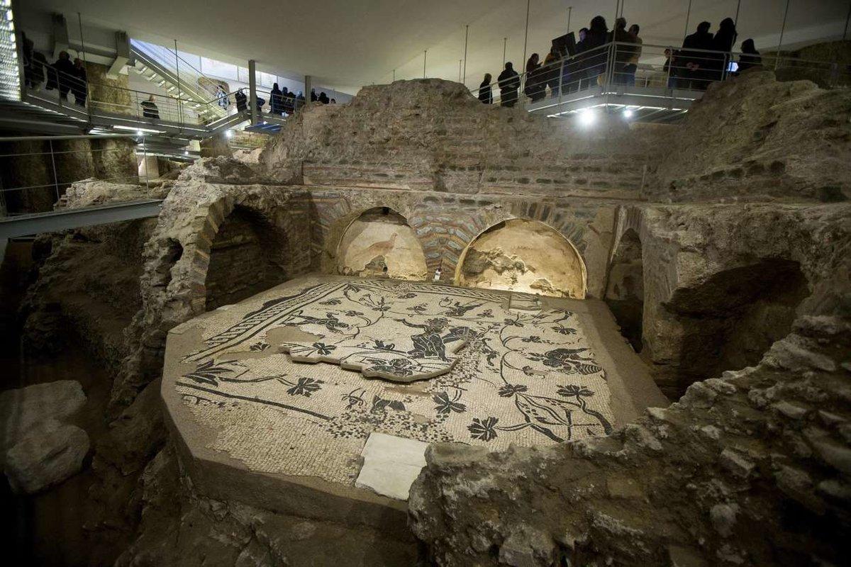 Ватиканский некрополь