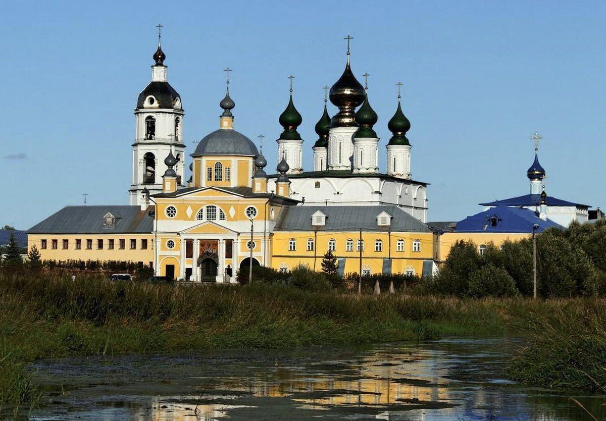 Николо-Шармотский монастырь.