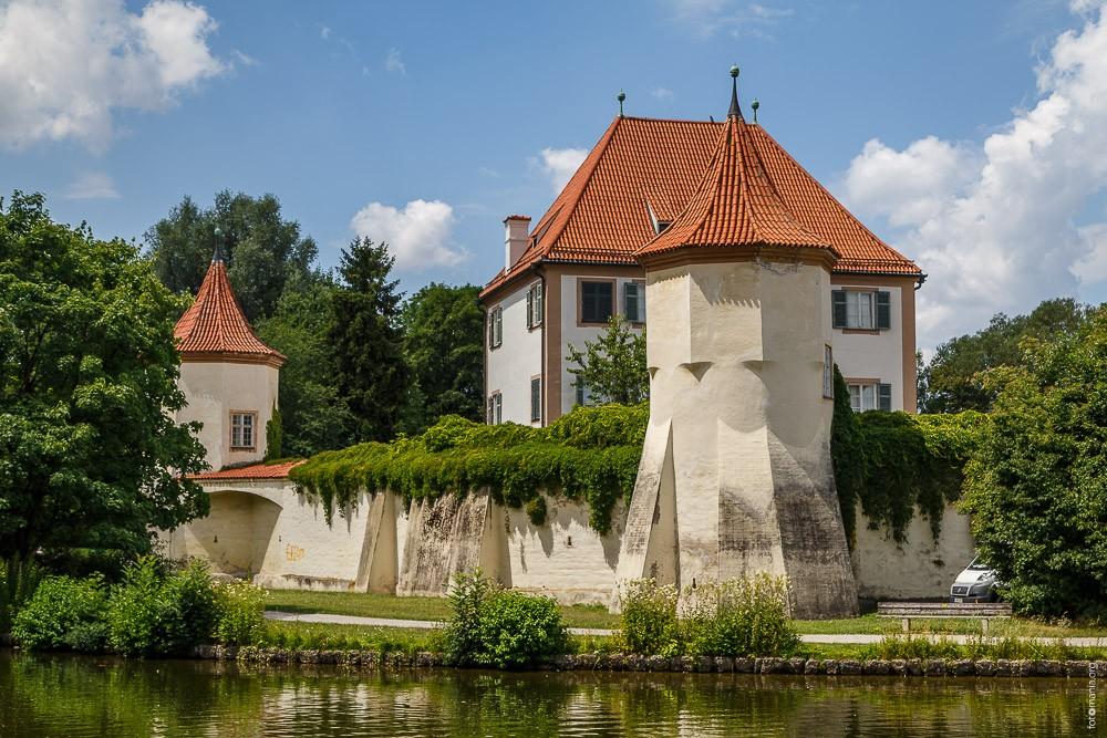 Дворец Блютенбург