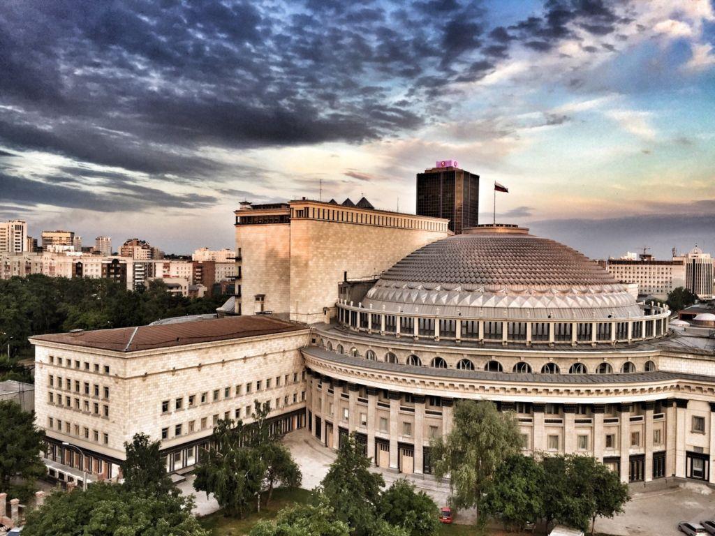 Академический театр оперы и балеты в Новосибирске