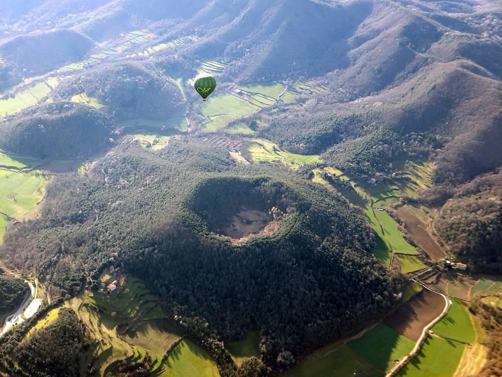 Вулкан Маань