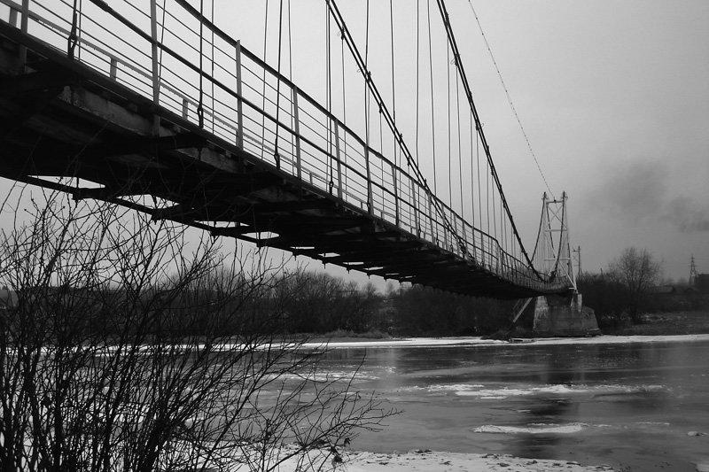 Висячий мост через реку Чусовая